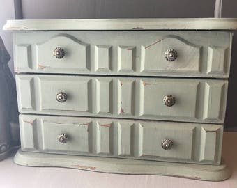 Vintage Green Shanby Chic Jewelry Box