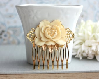 Ivory Flower Gold Comb. Vintage Style Ivory Rose Gold Hair Comb. Rustic Ivory Rose on Gold Hair Wedding Comb. Bridesmaids Gift. Gold Wedding