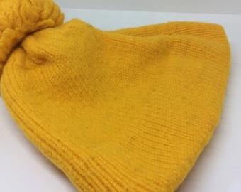 Vintage golden yellow wool pom pom hat ski cap