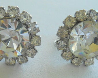 Vintage Earrings Rhinestone Cluster Screw Back