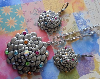 Reserved for Beverly - Pewter Flower Necklace and Earrings (4286)