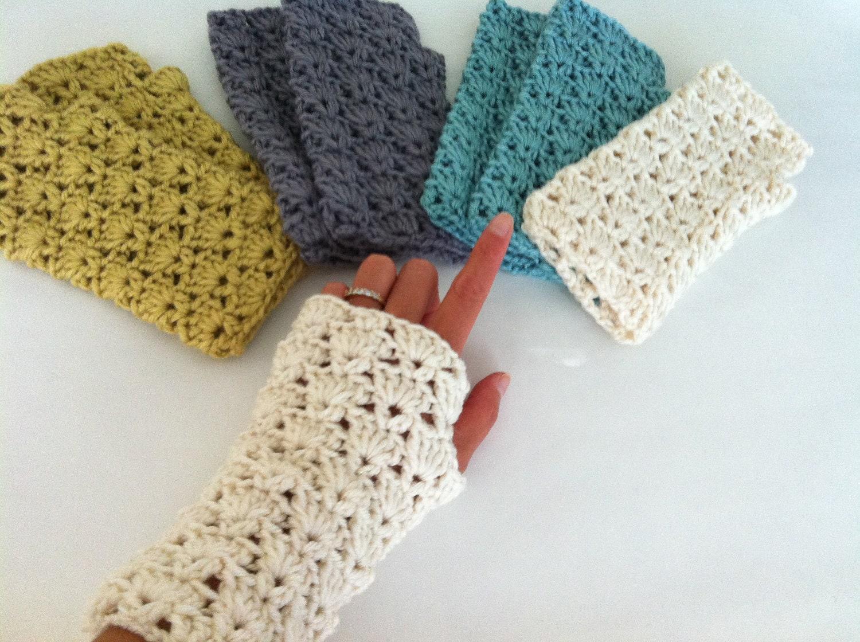 Crochet shells fingerless gloves crochet wrist warmer zoom bankloansurffo Images
