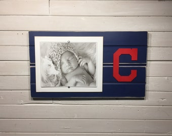 """Cleveland Indians picture frame holds 1-8""""x10"""" photo"""