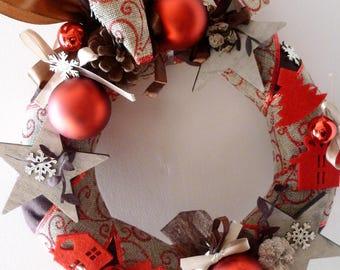 wreath is Christmas red and Brown, Burlap, felt, Christmas balls: Christmas in Helsinki