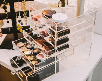 Free Shipping!!  Storia Clear Functional Desktop Acrylic Makeup Organizer with Crystal Knob
