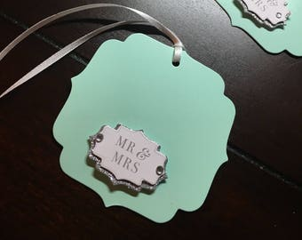 Mr. & Mrs. Tags, Wedding Favor Tags, Bride and Groom Gift Tags, Mr Mrs Name Tags, Bridal shower gift tag- 5/order
