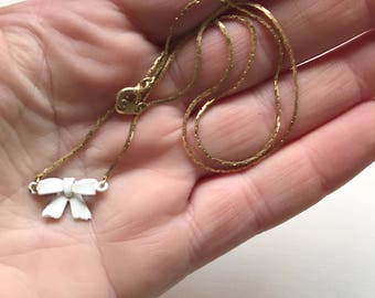 Vintage White Bow Necklace