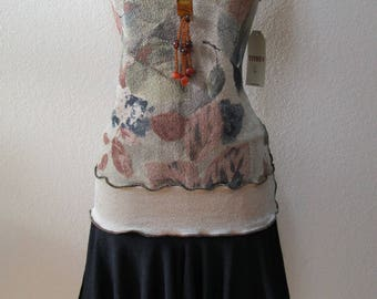 mix print top with ruffled edging plus made in USA (v181)