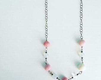 Newport Felt Necklace in Pink Frost