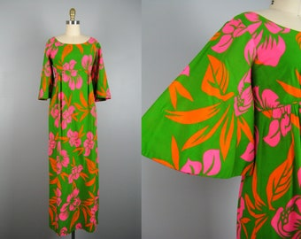 Vintage 1960s Cotton Hawaiian Dress with Angel Sleeves 60s Green Hibiscus Flower Dress by Romare Tahiti Size S