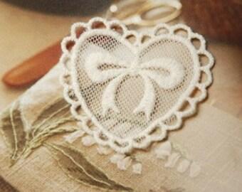 8 pieces retro white lace applique , bow lace applique