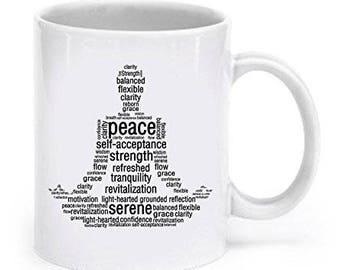 Tazza di posizione del loto parola Yoga, regali per gli amanti del Yoga, Yoga tazza, tazza di caffè di Yoga, Yoga regalo, regali per ragazza di Yoga