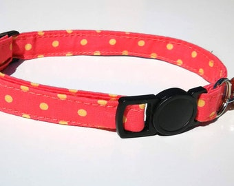 Pink and cream spotty collar with breakaway safety clasp
