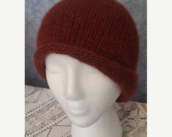 MOTHERSDAY CASHMERE Cloche in Deep Redwood