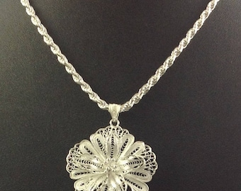Sterling, Delicate, Flower, pendant, precious, valentine, necklace, fashion, chain, love, Stunning, - Delicate Flower