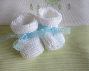 "Newborn baby booties ""white and Blue Ribbon""-hand made knit"