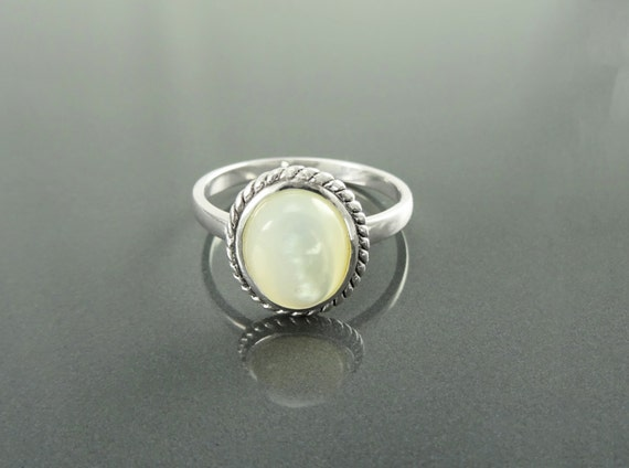 Round Antique Ring, Sterling Silver, GENUINE Mother of Pearl, Rope Ring, Boho Hipster Ring, Stone Ring, Midi Ring, White Paua Shell,MOP Ring