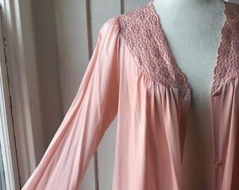 Vintage 1960s Pale Ballerina Pink Vanity Fair Peignoir / Dressing Gown