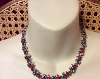 Vintage 1950s red rhinestones silver metal flowers collar necklace.