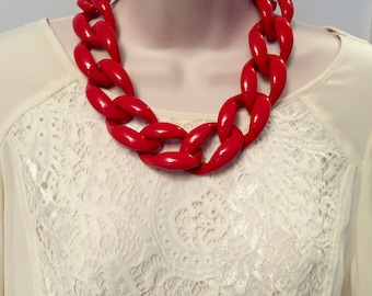 Fiesta Red Chunky Chain Lucite Link Housewife Resin Statement Necklace