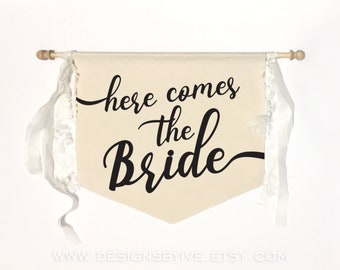 Here comes the bride, Wedding signs, Flower girl sign, Ring bearer sign, Ceremony sign, Vintage decor, Romantic wedding, Nautical sign