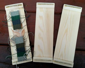 Bookmark/bracelet pin loom