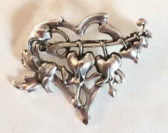 Bleeding heart flower brooch / pin Art nouveau style silver plated