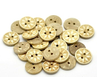 10 Coconut Shell Buttons 15mm - Rustic Daisy Flower (BC613)