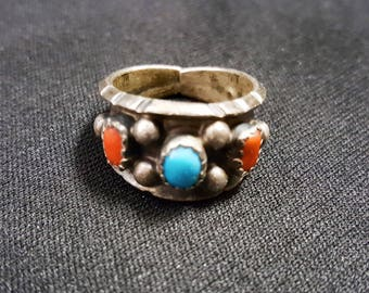 vintage sterling silver ring with turquoise coral dots - size 6