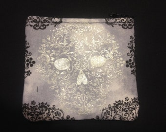 Silver and Black Filigree Skulls Coin Purse #124