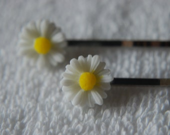 Daisy Hair Clips - Pack of 2 - White