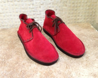 Handcrafted Desert Boot in Red Suede