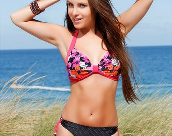 Azlea - Floral printed halterneck bikini with contrast black/white dotted low-rise bottom