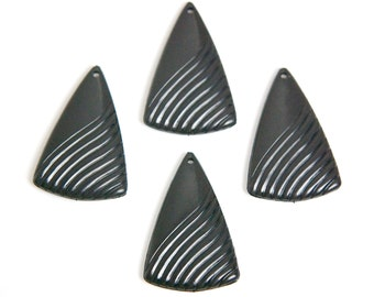 Vintage Acrylic Etched Black Triangle Pendant Drops pnd029B