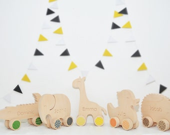 Personalized wooden animals, animals on wheels, toys, push toys, gift, handmade, toddler, child toy