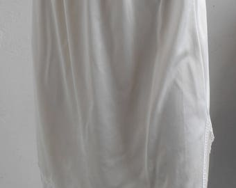 Vintage Half Slip Off White by Applause Small