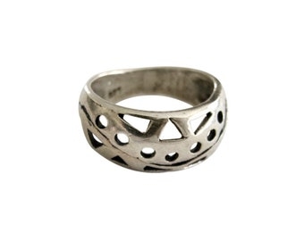 Sterling Silver Openwork Design Band Ring size 6 1/2