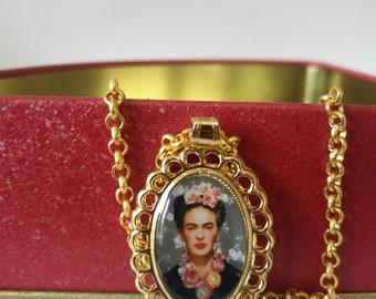 Frida Kahlo necklace: Frida double sided pendant. Frida Kahlo medallion. mexican charm. Mexican jewelry. Gold Frida Kahlo pendant necklace