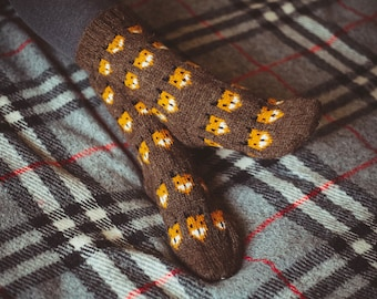 Woolen socks jacquard with foxes