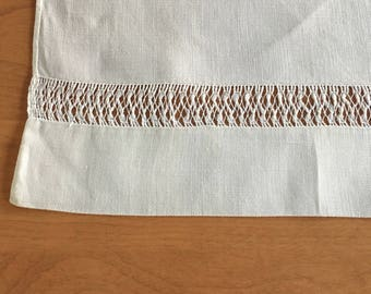 Linen table runner or table cloth