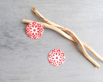 X 2 ivory and Red round sequins