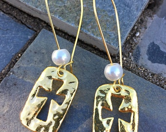 gold hammered cross earrings