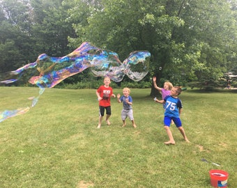 Giant Bubbles // Wand and Mix // Outdoor Fun For All