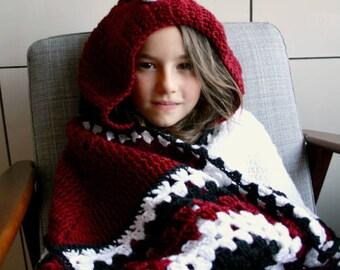 Crochet blanket, Ladybug hooded blanket Crochet pattern, granny square and amigurumi blanket crochet pattern (267) INSTANT DOWNLOAD