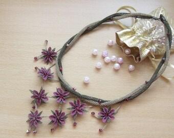 plum crochet necklace,plum necklace,violet necklace,amethist nekclace,lilac flower bib,purple crochet bib,purple,plum,burgundary,