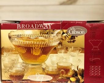 Gibson Broadway Punch Bowl Set