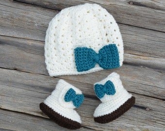 Crochet Baby Beanie and Boot Set, Cream Crochet Hat and Boots, Baby Girl Hat and Booties, Gift