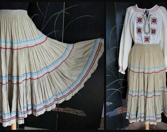 SQUAW SKIRT // Vintage 60s Boho Peasant Skirt // Colorful Rick Rack Trimmed Tiers // fits S