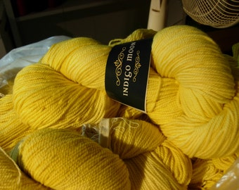 Yarn Merino Wool Natural Dye Yellow Weld SW (superwash) 225yds 100gm sport wt 3-ply