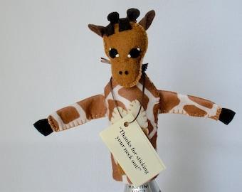 Giraffe Bottle Topper, Bottle Cozy, Wine Accessories,  Felt Giraffe Wine Topper, Hostess Gift, Giraffe Puppet, Bottle Sleeve